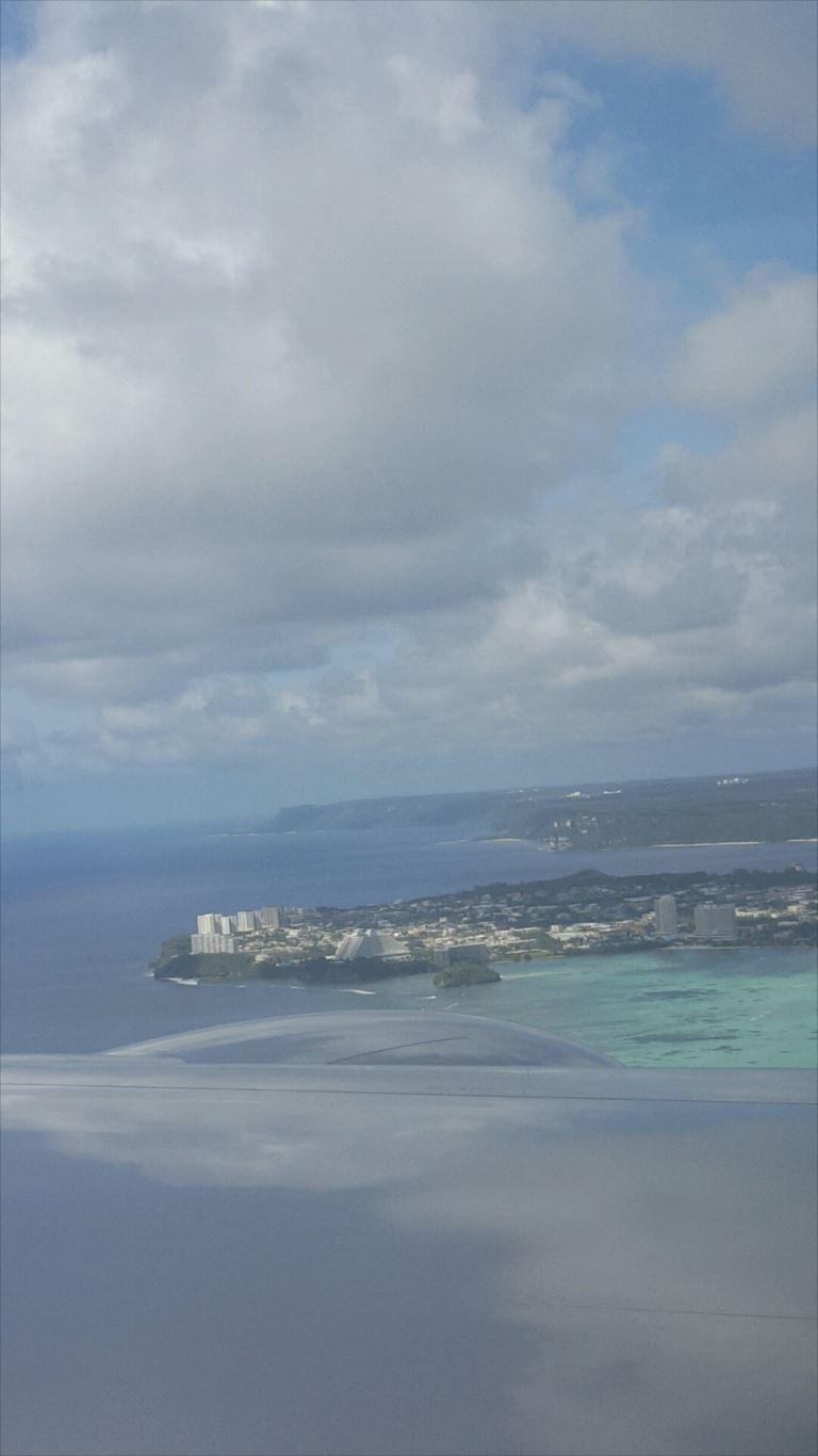 飛行機から見たグアム島