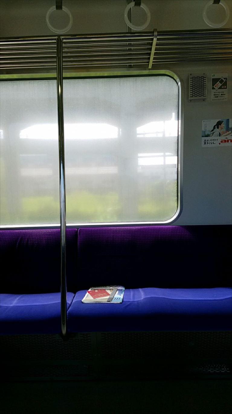 JR北海道_電車の汚れた窓