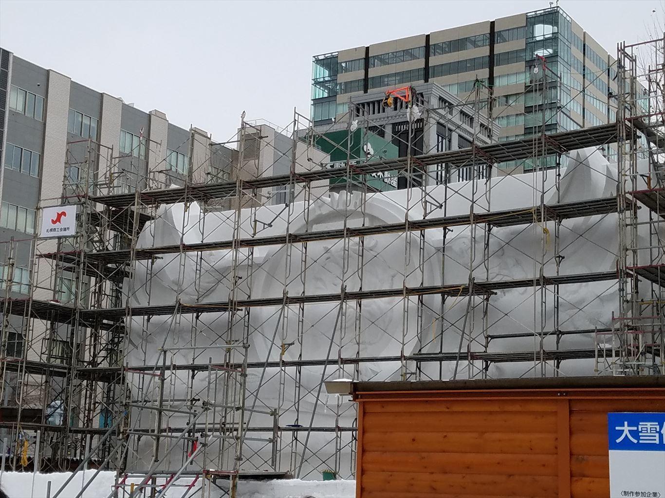 さっぽろ雪まつり雪像建設中201801